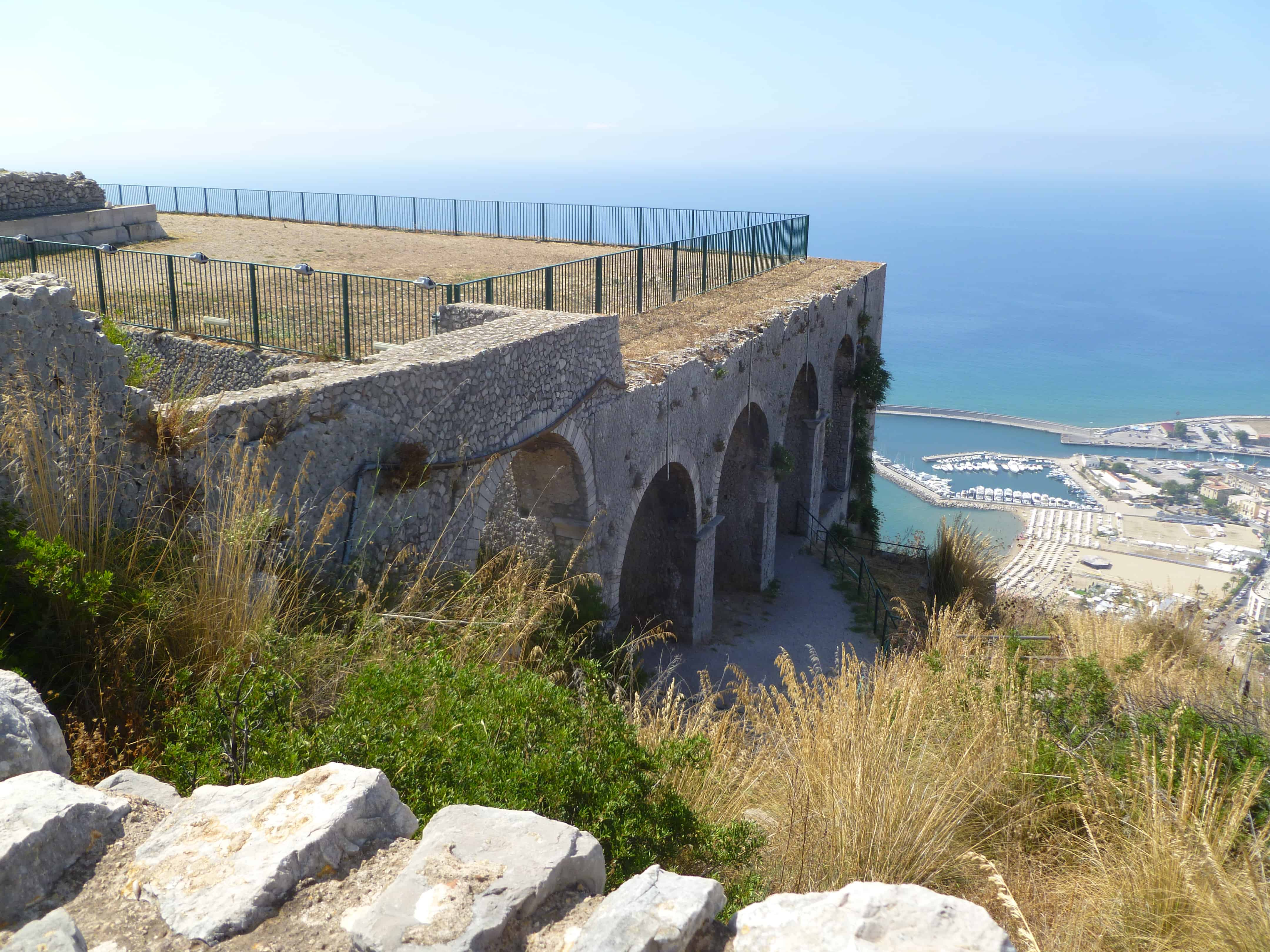 Archeologische rondreis Italië - Uitzicht Terracina